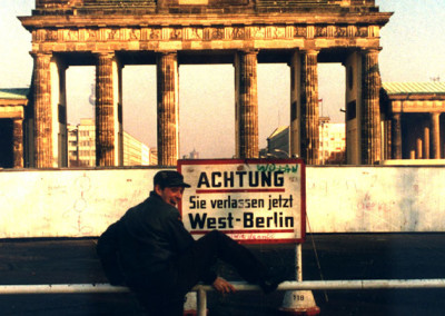 B-MOVIE: Lust & Sound in West-Berlin 1979-1989 (J. A. Hoppe)
